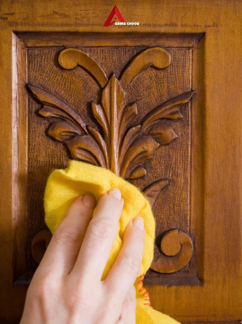 ضد عفونی درب چوبی