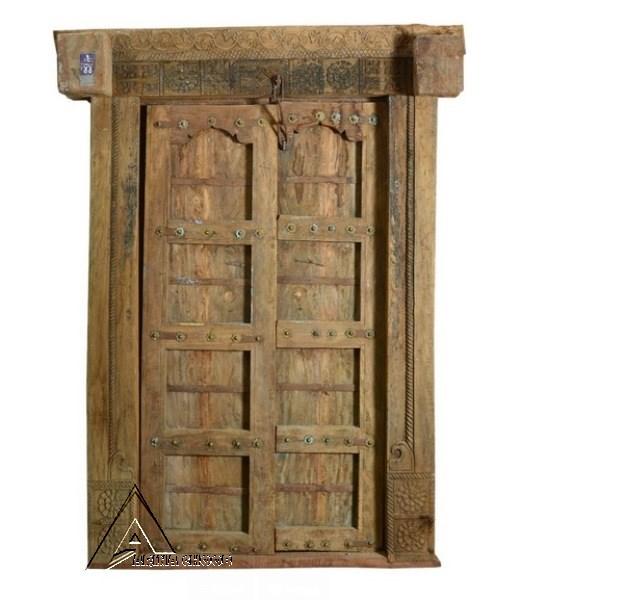 تاریخچه درب چوبی قدیمی